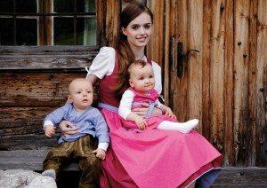Dirndl und Lederhose für Babys