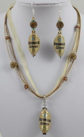 Erdinger Urweisse Ohrringe und Kette aus Kronenkorken