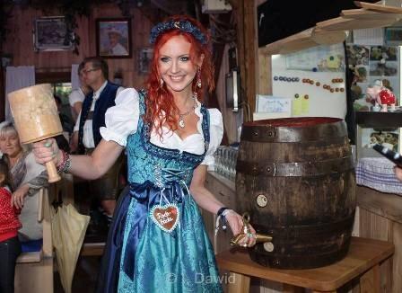 Oktoberfest Anstich Susanna Chmiel