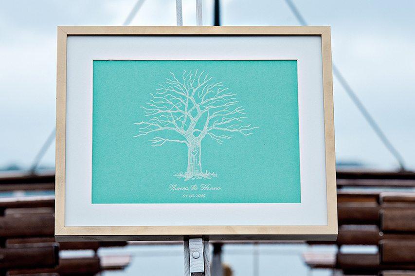 """Styled Shooting Bavaria meets Nordsee fotografiert von Petra Losbichler und Andrea Drees - Weddingtree """"Love Tree"""" als Gästebuch"""
