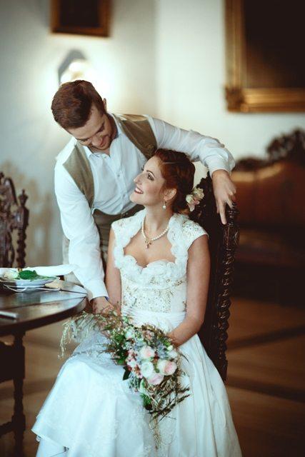 Prinzessin für einen Tag - Wedding Style Shooting im Schloss Greinburg mit einem Brautdirndl von Tian van Tastique.