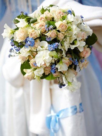 Trachtenhochzeit Tegernsee Brautstrauß