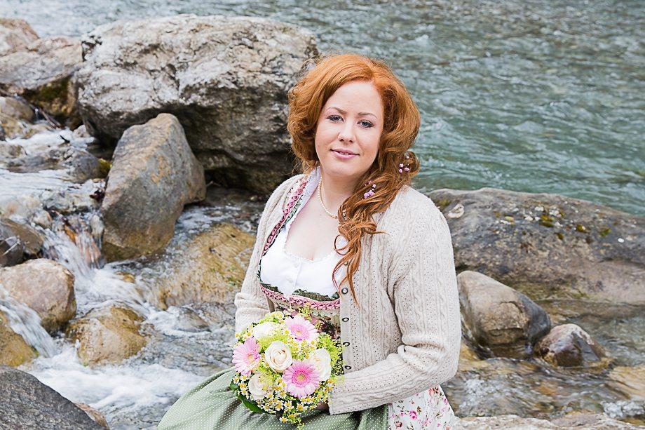 Trachtenhochzeit auf dem Nebelhorn - Braut