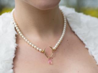 Verträumter Luxus in Tracht - Brautschmuck Trachtenhochzeit