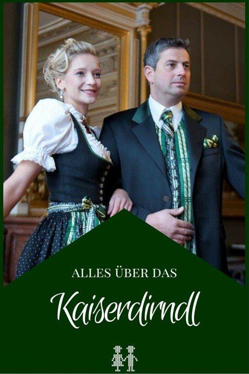 Die Farben aus dem Stadtwappen und die Gams am Knopf. So sieht das Kaiserdirndl aus der Kaiserstadt Bad Ischl aus.