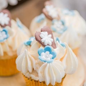 Trachtenhochzeit modern interpretiert Cupcakes