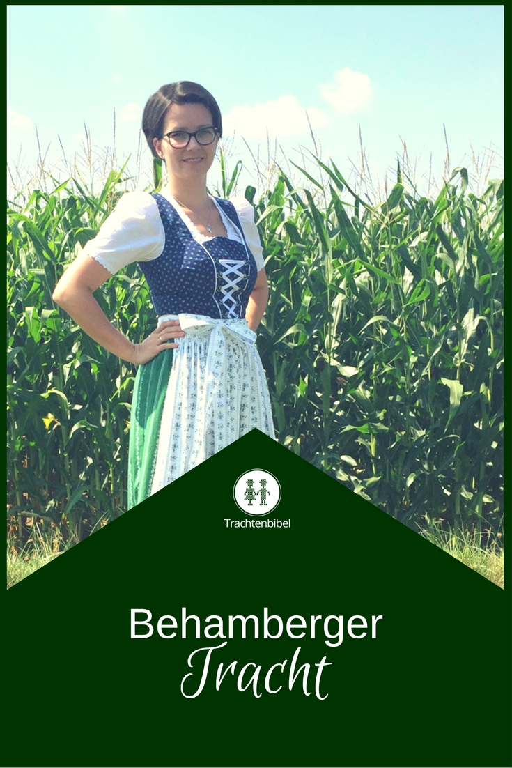 Die Behamberger Tracht mit ihrem typischen Erkennungszeichen - dem Dreiberg.