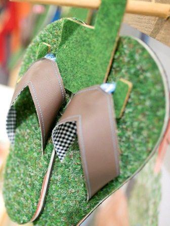 Flip Flops mit Grasfussbett