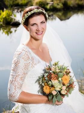 Brautkleid mit rustikaler Spitze