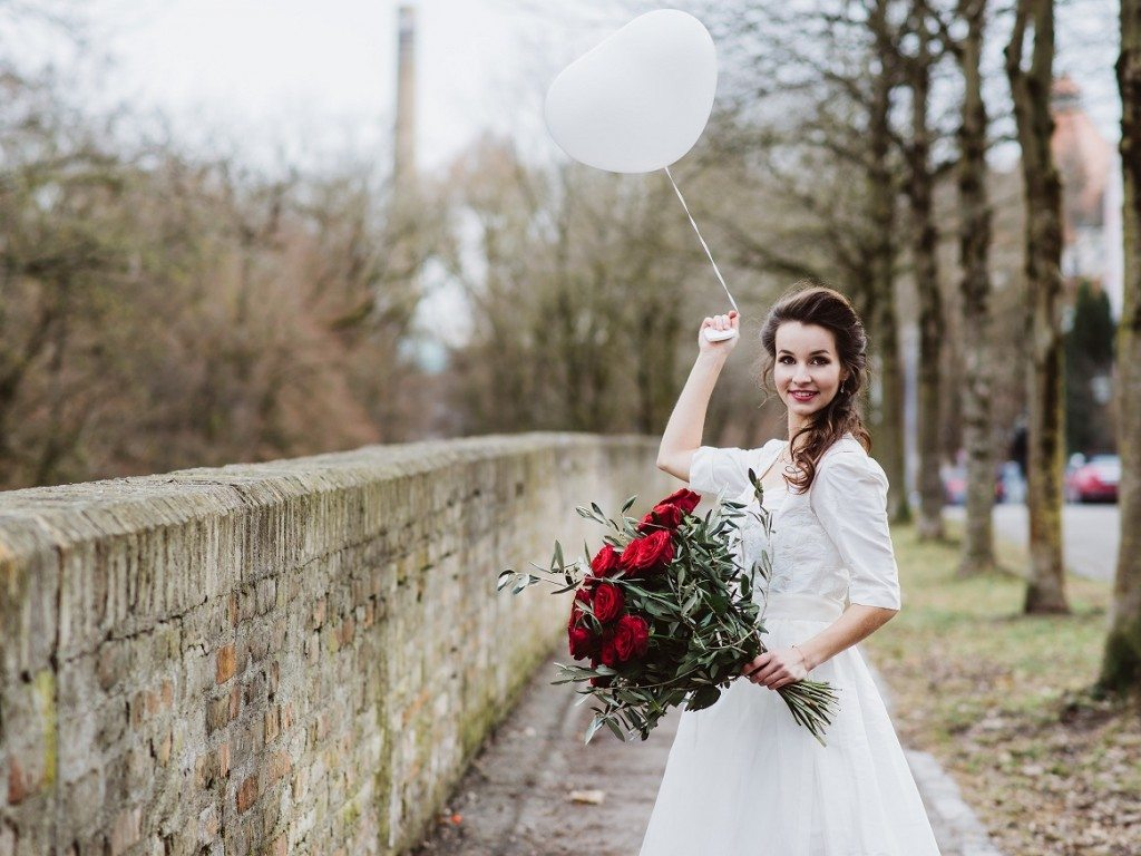 Brautdirndl Shooting Sweet Valentine