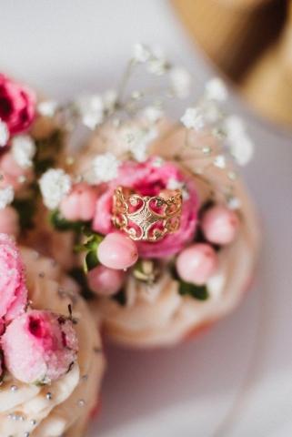 Brautdirndl Shooting Sweet Valentine Trudi Krammer Luthien Photo Art Ring Ehering Verlobungsring