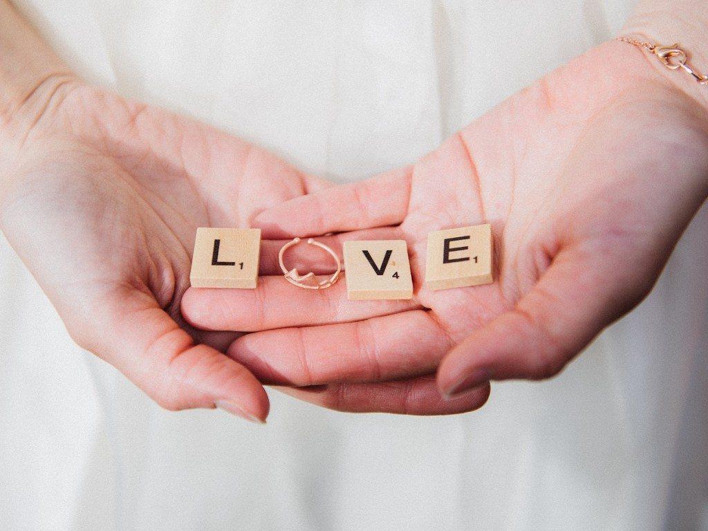 Brautdirndl Shooting Sweet Valentine Scrabble-Buchstaben LOVE
