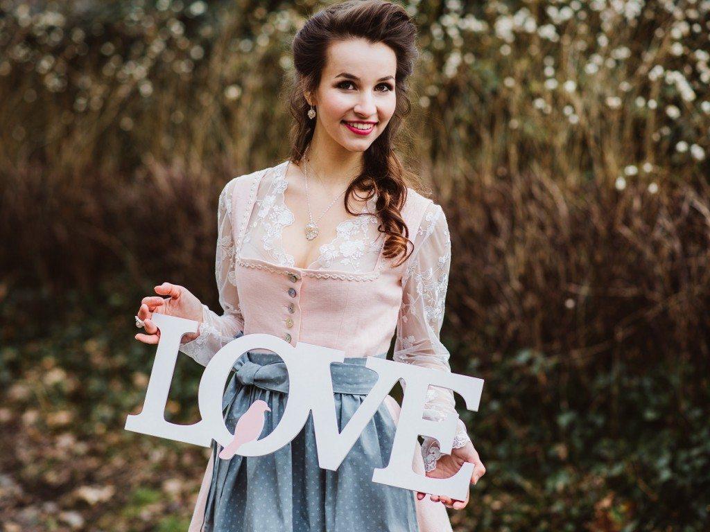 Brautdirndl Shooting Sweet Valentine Buchstaben Love