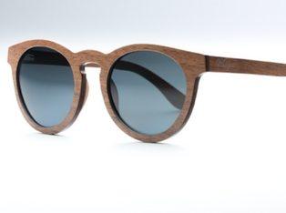 Waidblick Brille aus Walnussholz