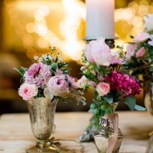 Trachtenhochzeit Rustikale Eleganz Tischdeko in Rosa und Grün