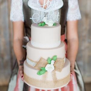 Trachtenhochzeit Rustikale Eleganz Torte