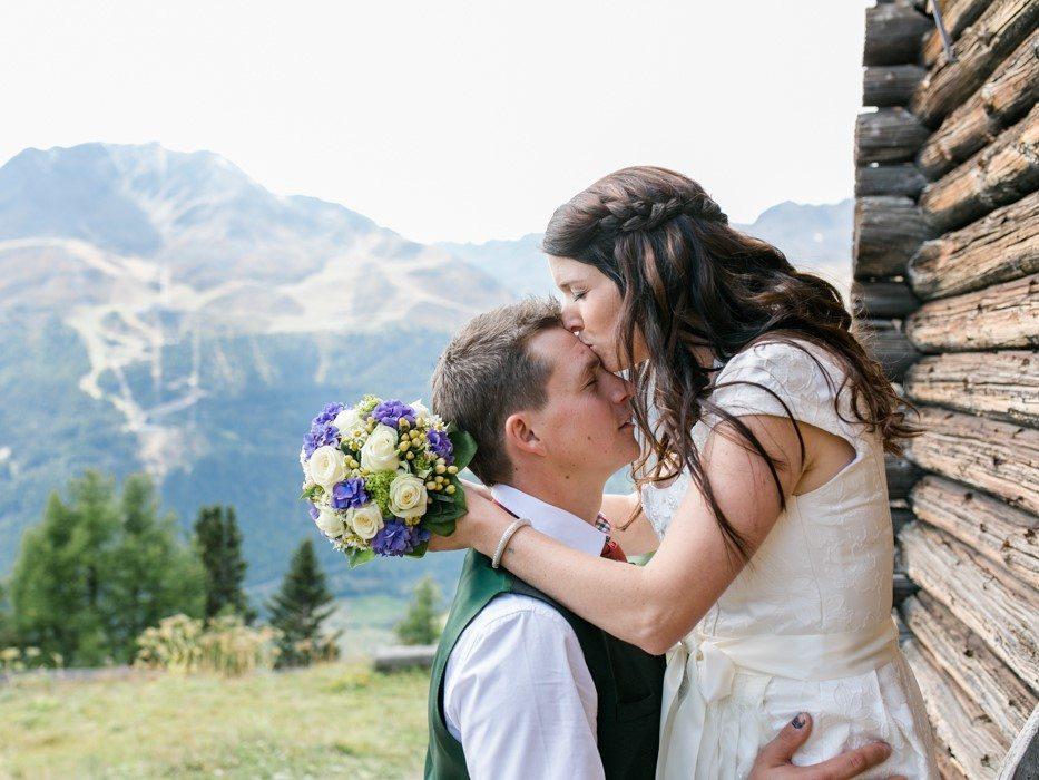 Brautpaar Trachtenhochzeit auf der Alm