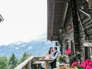 Ausblick Trachtenhochzeit Heiraten im Dirndl rustikal