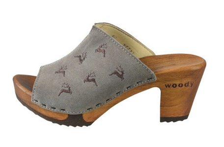Pantoffel mit Hirschmotiv von Woody