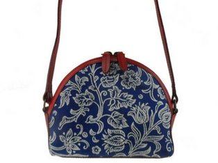 Dilians Handtaschen, Accessoires, Heimtextilien und Mode aus traditionellen mitteleuropäischen handbedruckten Blaudruck und Handdruck Stoffen.