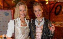 Gloria Hundsberger mit Liliana Klein auf der Damenwiesn 2016