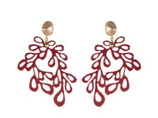 Lieblingsstückerl filigraner Ohrhänger aus rot lackierter Hornschnitzerei