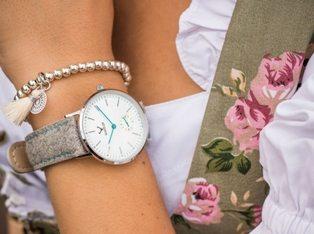 Makellos Uhr Silber