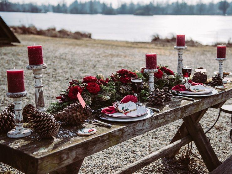 Trachtenhochzeit Im Winter Tischdeko Mit Tannenzapfen Und Reisig