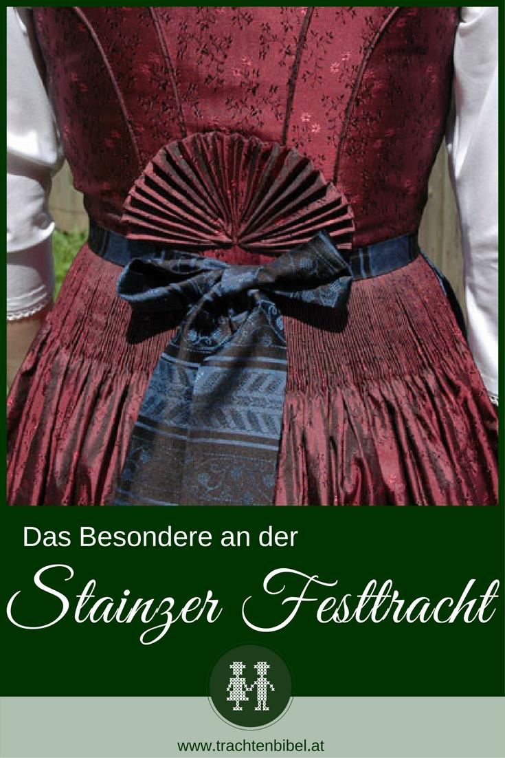 Das Besondere an der Stainzer Festtagstracht ist der Stainzer Fächer am Rücken. Dieses festliche Dirndl ist aus Baumwollbrokat.