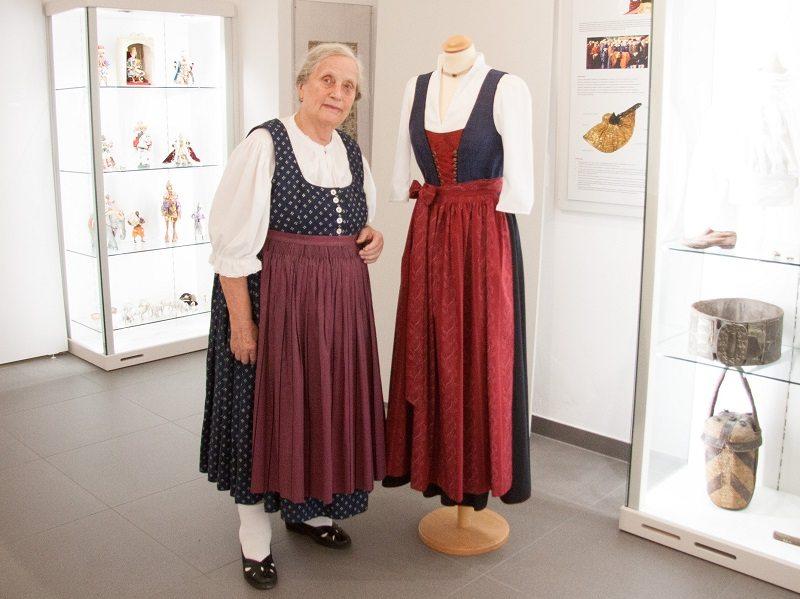 Franziska Rettenbacher mit der Rottaler Tracht