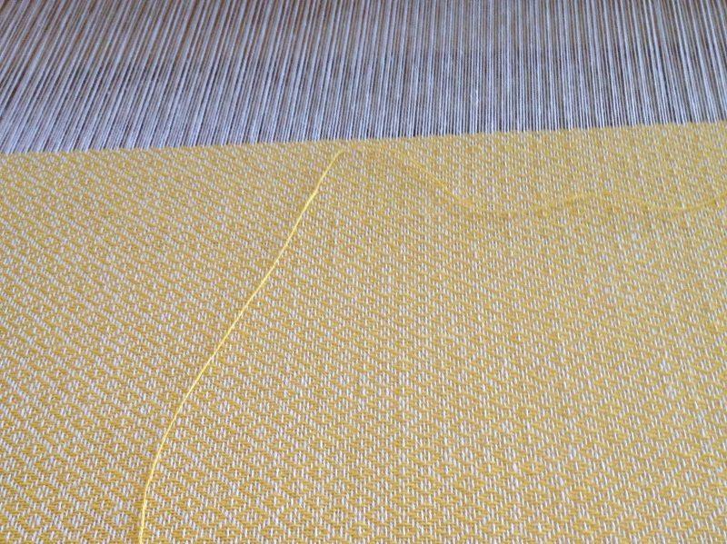 Weben - Handgewebter Trachtenstoff aus der Musterweberei
