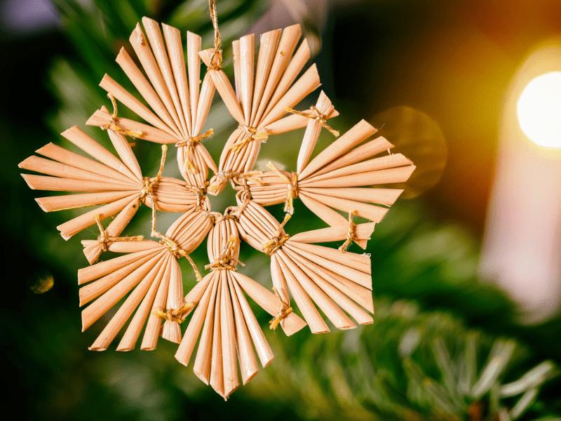 Strohstern Christbaum